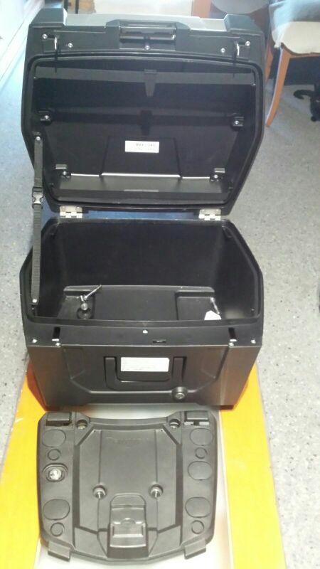 maleta moto triumph tiger 800 con soportes