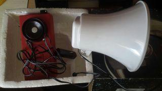 Megafono con sirena a pilas y coche