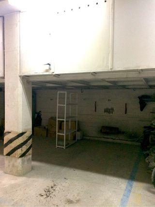 Raya de garaje con trastero