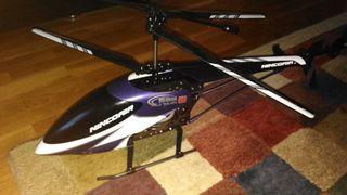 Helicóptero teledirigido