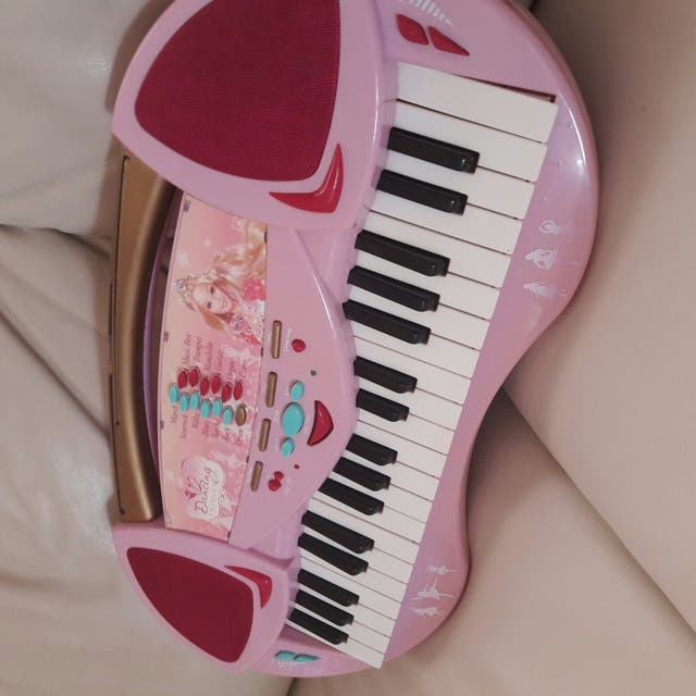 organo -piano Barbie