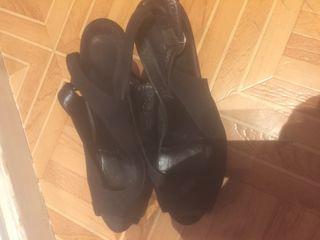 Escarpins haut talons noir