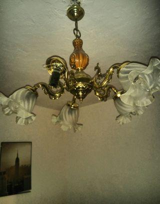 Lámpara se vende le falta un foco