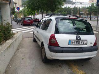 Renault Clio dci 2003 diésel 60cv mixto+ IPHONE