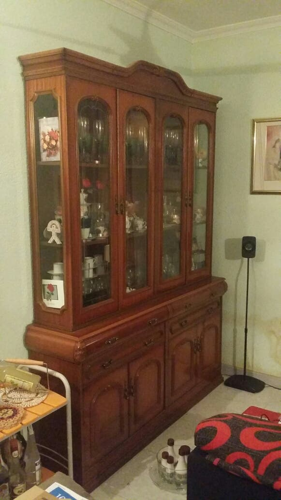 Mueble Vitrina Madera y Cristal Comedor de segunda mano por 150 € en ...
