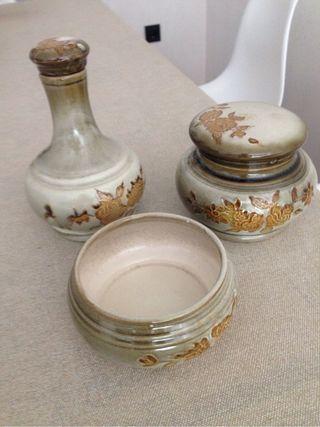 Juego de cerámica decorativa