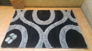 alfombra preciosa diseño negra y gris