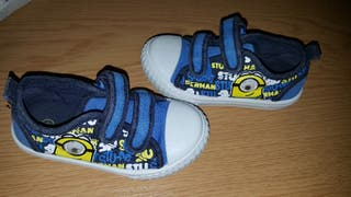 toddlers minions trainers