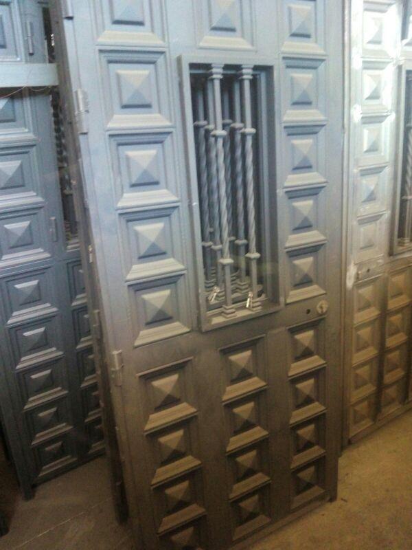 Puertas de hierro para chalet o casa de segunda mano por 290 en sese a en wallapop - Puertas de chalet ...