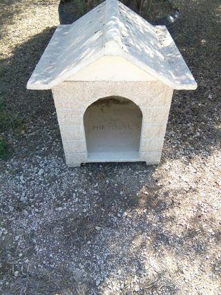 Casetas de perro de piedra artificial