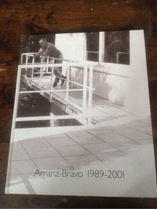 Libro tapa dura de Arte de A. Bravo