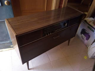 Mueble Radio grounding antiguo