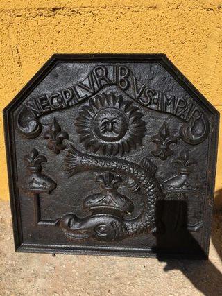 Fondo de chimenea antiguo