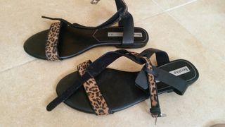 sandalias leopardo bershka 38 NUEVAS