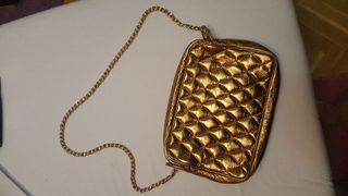 Bolso dorado con asa larga metálica nuevo