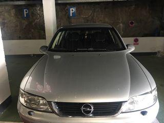 Opel Vectra 2001 4 llantas verano y 4 de invierno