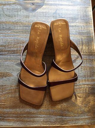 Sandalias Dora Latina doradas