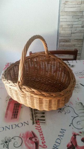 antigua cesta canasto de huevos mimbre