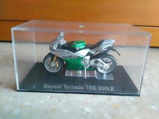 Moto colección Benelli Tornado TRAE 900LE escala altaya