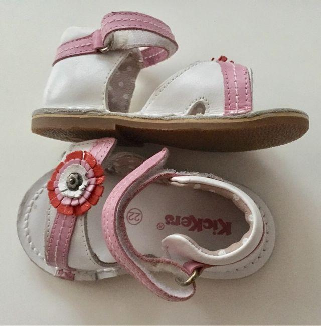 963d9d2e KICKERS sandalias para niña. PIEL Talla 22- NUEVAS de segunda mano ...
