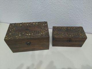 Cajitas de madera, tipo baúl.