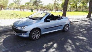 Peugeot 206 del 2002 en perfecto esto es el 1.600