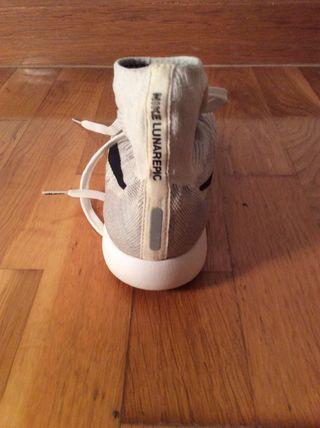 Zapatillas de Nike LunarEpic (COMPRADOS POR 180)