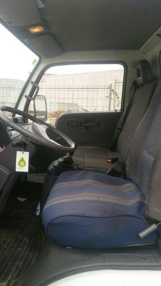 Nissan Cabstar 2005 motor recien hecho