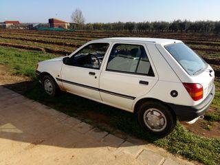 Se Vende Ford Fiesta Del Año 1999