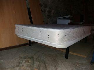 Base tapizada y colchón