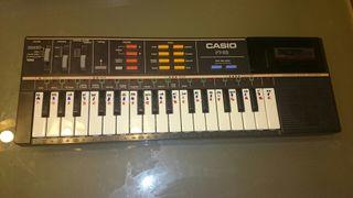 Piano Casio PT82