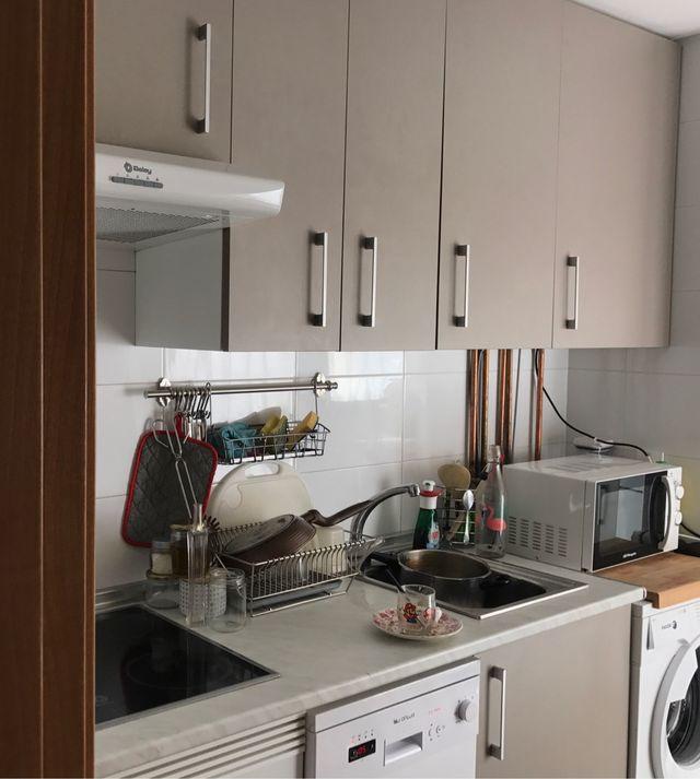 MUEBLES cocina Leroy Merlin (1 año uso) de segunda mano por 195 € en ...