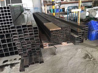 Cuadrado de hierro estructural