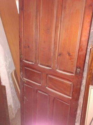 Puerta antigua de cuarterones de segunda mano por 100 en for Puertas de cuarterones antiguas