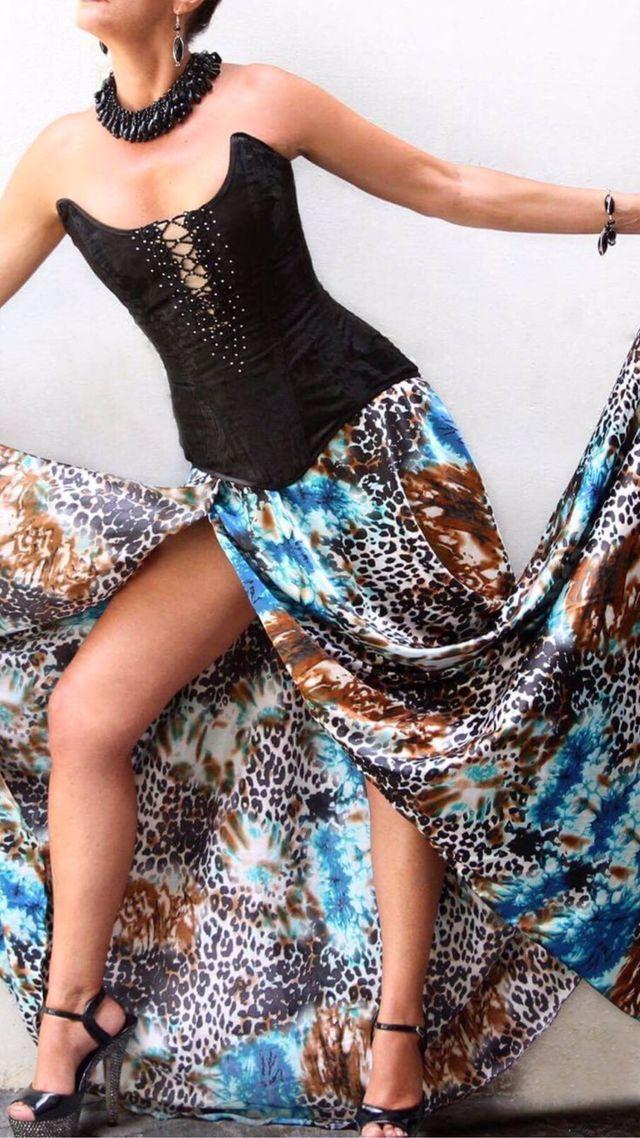Falda y corset ALQUILER
