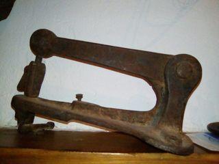 Remachadora Antigua