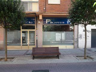 Valladolid. Local en venta Zona Plaza toros
