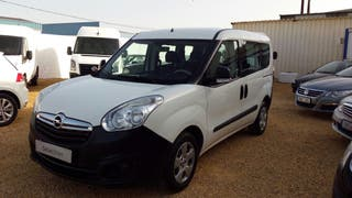 Opel Combo 2014 doble puerta lateral diesel