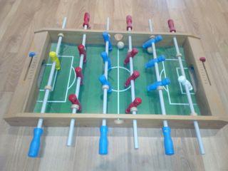 Futbolín de diseño de madera muy buen estado