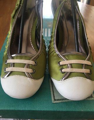 Zapatos deportivas raso