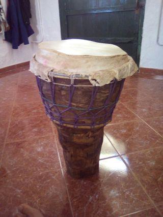 Tambores hechos de pita