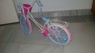 muñeca bicicleta