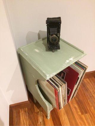 Mueble para vinilos antiguo
