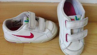 Deportivas Nike, blanco rosa.