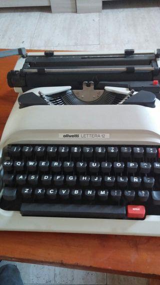 Maquina de escribir antigua.