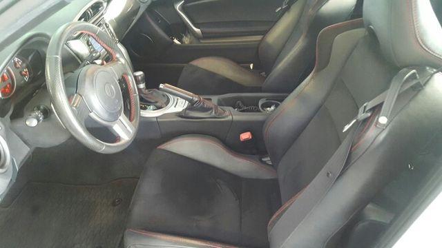 Toyota GT 86 2012 automático con extras.