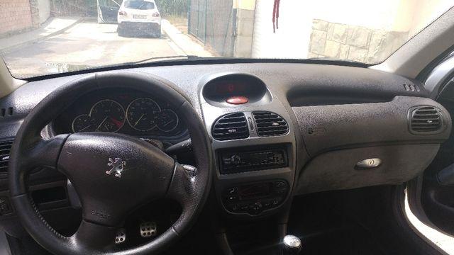 Peugeot 206 gti