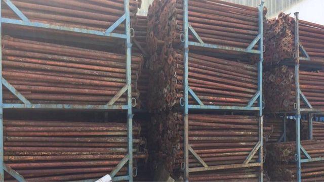Lote 6900 puntales 3, 4 y 5 metros con jaula