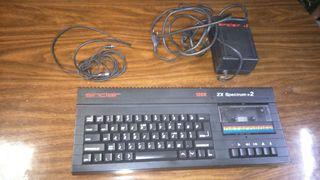 amstrad spectrum con su transformador y su cables