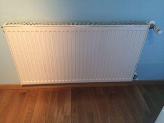Dos Radiador calefacción prácticamente nuevos.